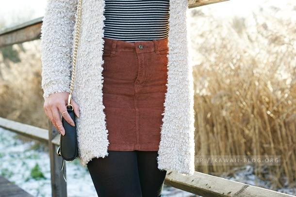 Outfit mit Kordrock und Wuscheljacke