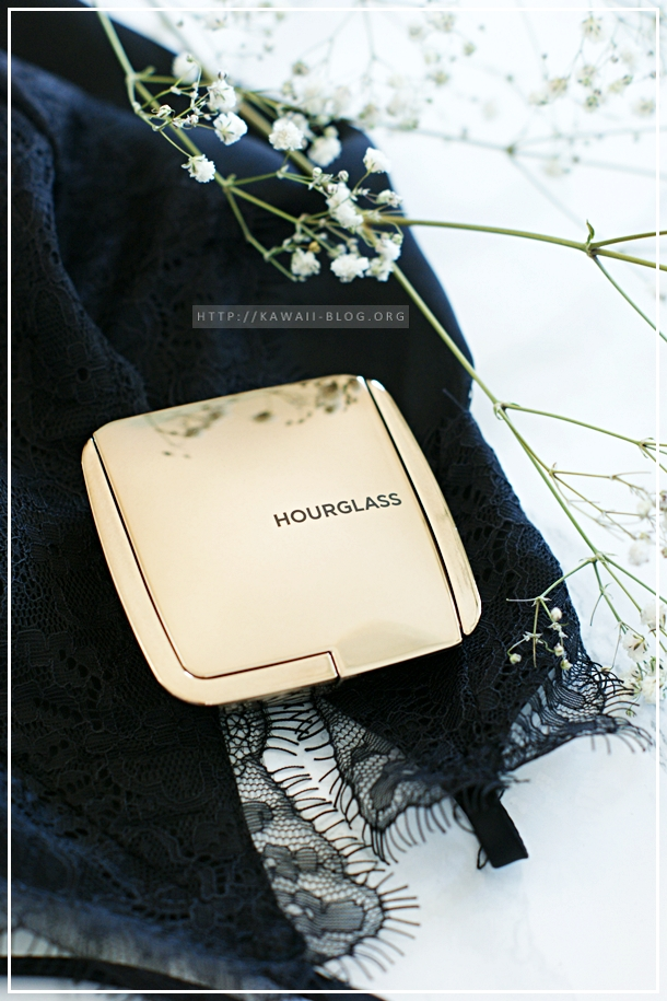HOURGLASS Ambient™ Strobe Lighting Rouge