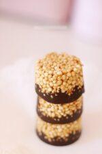 Quinoa Erdnussbutter Süßigkeit