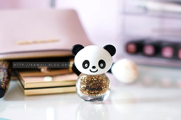 Süßer Panda mit Michael Kors Tasche