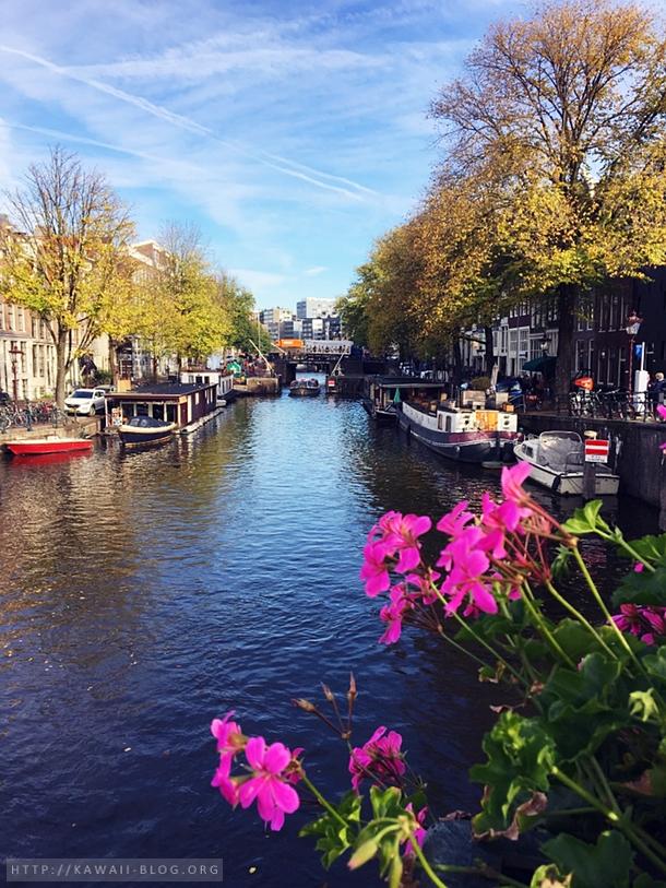 Amsterdam Gracht bei Sonnenschein